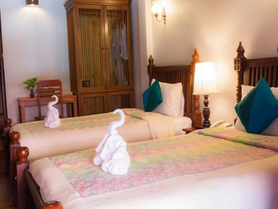 muang_thong_hotel-deluxe_room-overview1
